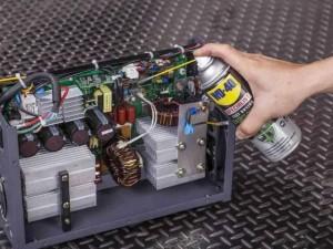 WD-40 Σπρέι καθαρισμού ηλεκτρικών επαφών. Τι ακριβώς είναι;